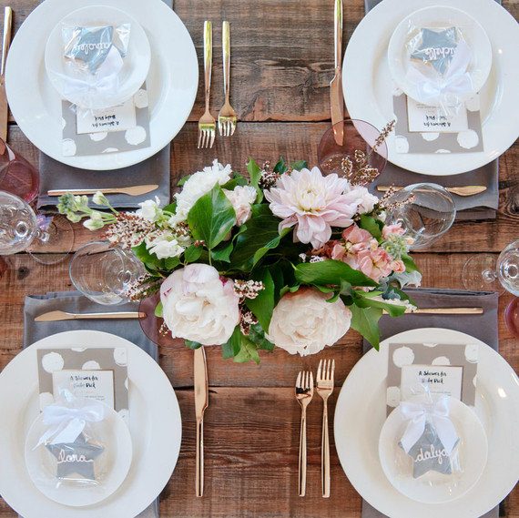 kert party table setting